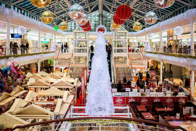como-decorar-una-tienda-en-navidad-cc