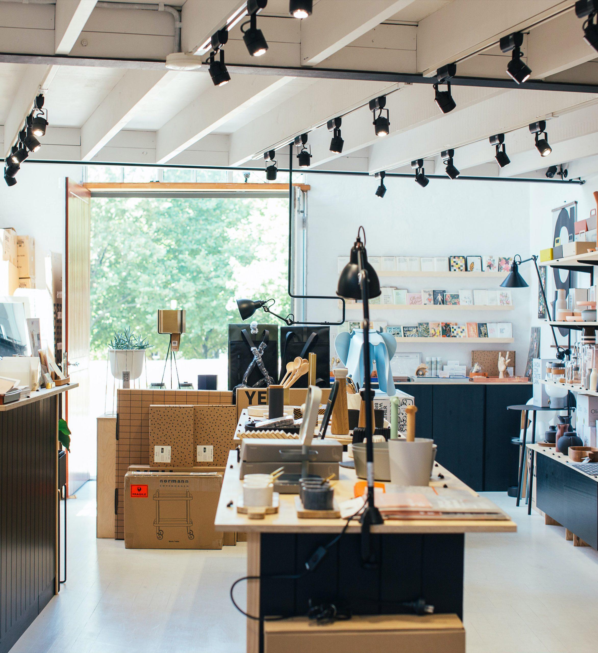 circulación amigable en diseño retail scaled